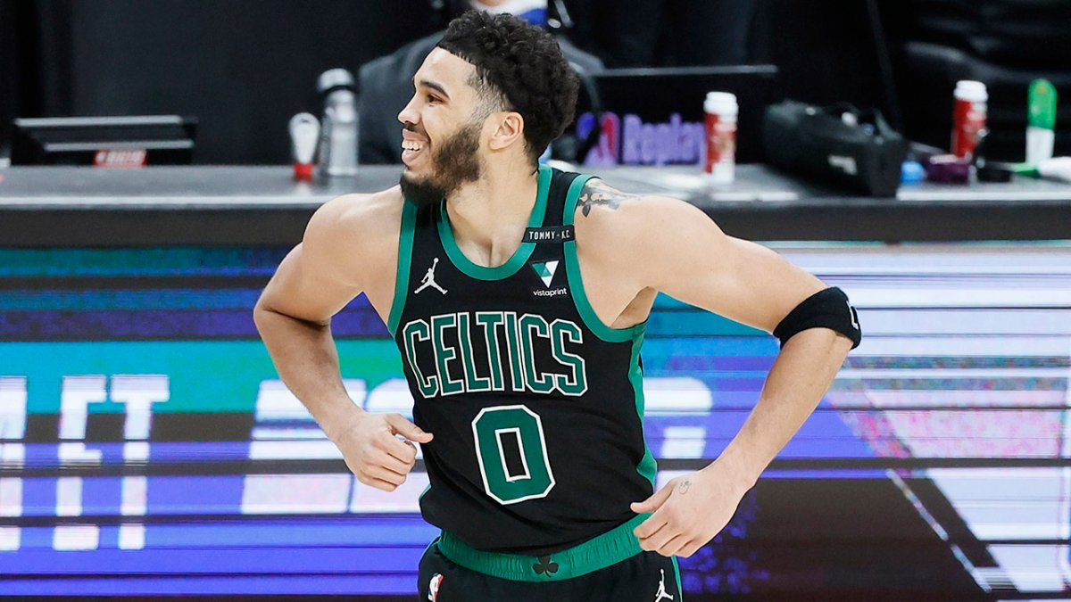 Improving Lakers Look for First Win as Home Dog With Streaking Celtics in Town